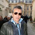 Alain Chennevièrelors de l'inauguration de la plaque commémorative Golf Drouot par le maire de Paris Bertrand Delanoë située sur le fronton du N°2 de la rue Drouot dans le IXe arrondissement de Paris, le 24 février 2014, ancienne adresse de la mythique boîte de rock Golf-Drouot.