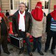 Dany Boy et les pénitentslors de l'inauguration de la plaque commémorative Golf Drouot par le maire de Paris Bertrand Delanoë située sur le fronton du N°2 de la rue Drouot dans le IXe arrondissement de Paris, le 24 février 2014, ancienne adresse de la mythique boîte de rock Golf-Drouot.