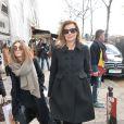 """Valérie Trierweiler à la sortie du défilé de mode """"Christian Dior"""" au musée Rodin à Paris, le 28 février 2014"""