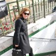 """Valérie Trierweiler dans le métro parisien à la sortie du défilé de mode """"Christian Dior"""" qui se déroulait au musée Rodin à Paris, le 28 février 2014"""