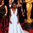 Lupita Nyong'o est divine dans sa robe Prada en arrivant aux Oscars le 2 mars 2014