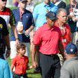 Tiger Woods et sa fille Sam Alexis lors du dernier tour du tournoi Honda Classic au PGA National Resort and Spa dePalm Beach Gardens, le 2 mars 2014