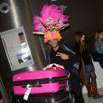 Julien de retour à Paris après le tournage de l'émission 'Les Marseillais a Rio' pour W9, le 6 mars 2014, à l'aéroport Roissy Charles de Gaulle.