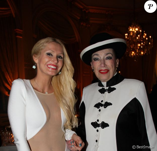 """Tatiana-Laurens, Geneviève de Fontenay - Dîner de charité """"Reconstruisons le Château de Saint-Cloud"""" au Cercle Interallié à Paris le 11 mars 2014."""