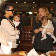Kourtney Kardashian, sa fille Penelope, North West et sa nounou à Beverly Hills. Le 17 décembre 2013.