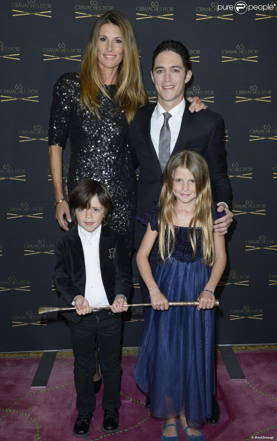 sophie thalmann divine en famille pour son mari christophe soumillon sacr purepeople. Black Bedroom Furniture Sets. Home Design Ideas