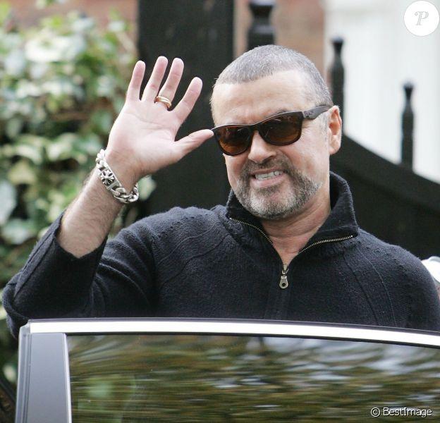 Le chanteur George Michael à Londres. Le 17 octobre 2012.
