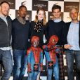 """Marc Webb, Jamie Foxx, Emma Stone, Andrew Garfield, Matthew Tolmach, Avi Arad et Shido Nakamura font la promotion du film The Amazing Spider-Man 2 à Tokyo, le 31 mars 2014."""