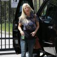 """Tori Spelling sur le tournage de sa nouvelle télé-réalité """"True Tori"""" à Los Angeles, le 2 avril 2014."""