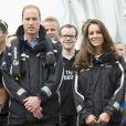 Kate Middleton et le prince William étaient en visite à Auckland le 11 avril 2014 dans le cadre de leur tournée en Nouvelle-Zélande. Après une visite de la base de l'Emirates Team New Zealand, ils se sont affrontés lors d'une course nautique, que la duchesse de Cambridge a remportée haut la main.