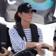 Le duc et la duchesse de Cambridge étaient à Auckland le 11 avril 2014 dans le cadre de leur tournée en Nouvelle-Zélande. Après une visite de la base de l'Emirates Team New Zealand, Kate et William se sont affrontés lors d'une course nautique, que la duchesse de Cambridge a remportée haut la main.