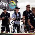 Cpaitaine Kate à la barre ! Le duc et la duchesse de Cambridge étaient à Auckland le 11 avril 2014 dans le cadre de leur tournée en Nouvelle-Zélande. Après une visite de la base de l'Emirates Team New Zealand, Kate et William se sont affrontés lors d'une course nautique, que la duchesse de Cambridge a remportée haut la main.