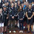 Kate Middleton et le prince William étaient en visite à Auckland le 11 avril 2014 au cinquième jour de leur tournée en Nouvelle-Zélande. Après une visite de la base de l'Emirates Team New Zealand, ils se sont affrontés lors d'une course nautique, que la duchesse de Cambridge a remportée haut la main.