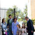La princesse Letizia d'Espagne, Prince Felipe, la reine Sofia, les deux princesses Sofia et Leonor, le roi Juan Carlos lors de la messe de Pâques à Palma de Majorque le 20 avril 2014.