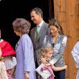 La princesse Letizia d'Espagne, Prince Felipe, la reine Sofia lors de la messe de Pâques à Palma de Majorque le 20 avril 2014.