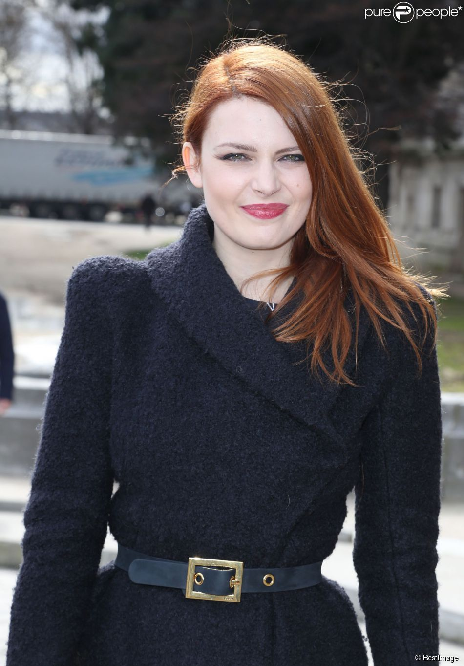 Elodie fr g arriv es des people au d fil de mode collection pr t porter automne hiver - Salaire vendeuse pret a porter ...