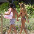 51400206 - Laura Cremaschi en compagnie de son petit ami sur une plage à Miami Le 03 Mai 2014  51400214 Italian model Laura Cremaschi shows off her bikini body while soaking up the sun on the beach with her boyfriend in Miami, Florida on May 2, 2014.02/05/2014 - miami