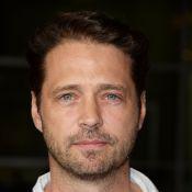 Jason Priestley (Beverly Hills) se moque de Brad Pitt, son ex-coloc puant