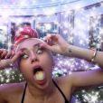 Miley Cyrus plus déjantée que jamais depuis son hospitalisation brutale en avril 2014.