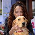 Noémie Lenoir a pris part à une opération en faveur des l'association ''Les chiens guides d'aveugles'' à Nice, le 3 mai 2014.