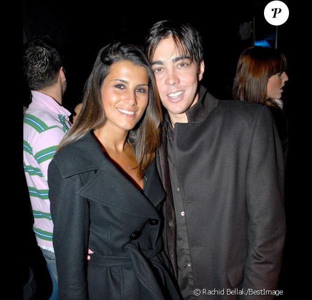 Grégory Lemarchal et Karine Ferri lors de la soirée pour les 2 ans de la chaîne NRJ12 au ciné Aqua à Paris, le 23 mars 2007.