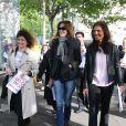 Carla Bruni-Sarkozy et Line Renaud - Marche de femmes pour appeler à la libération de jeunes filles enlevées par le groupe Boko Haram au Nigeria. Place du Trocadéro à Paris le 13 mai 2014.