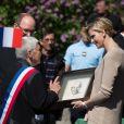 Le prince Albert de Monaco et la princesse Charlene, remettant un portrait de Mandela pour l'école à son nom, étaient visite à Carlat, dans le Cantal, le 15 mai 2014 dans le cadre du centenaire de la cession du rocher de Carlat au prince Albert Ier. Après Carlat, le couple princier a visité Calvinet.