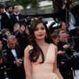 Freida Pinto lors de la montée des marches du Festival de Cannes et la projection du film Saint Laurent le 17 mai 2014