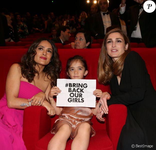 """Salma Hayek, sa fille Valentina Pinault et Julie Gayet lors de l'hommage au cinéma d'animation et la présentations de """"Kahlil Ghibran's The Prophet"""", lors du 67e Festival du film de Cannes le 17 mai 2014."""