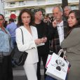 Gérard Depardieu et Jacqueline Bisset arrivant sur le plateau du Grand Journal de Canal + à l'occasion du 67e Festival international du film de Cannes le 17 mai 2014