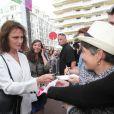 Jacqueline Bisset arrivant sur le plateau du Grand Journal de Canal + à l'occasion du 67e Festival international du film de Cannes le 17 mai 2014