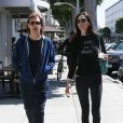 Paul McCartney et sa femme Nancy Shevell font un stop au snack Pinkberry à Beverly Hills Los Angeles, le 4 avril 2014.