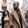"""Kim Kardashian et Kanye West sont allés visiter l'école de """"Profession Dessin Industriel"""" rue Saint-Maur à Paris. Le 21 mai 2014"""
