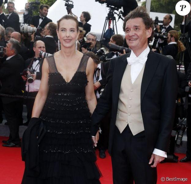 """Carole Bouquet officialise son couple avec Philippe Sereys de Rothschild - Montée des marches du film """"The Search"""" lors du 67e Festival du film de Cannes le 21 mai 2014"""