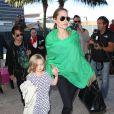 Angelina Jolie (38 ans) et sa fille Vivienne (5 ans) - Photo à l'aéroport de Los Angeles le 5 février 2014