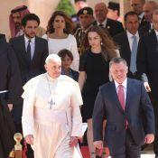 Rania de Jordanie : Fervente avec ses enfants pour le pape François à Amman