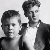 Robert de Niro, en larmes, évoque l'homosexualité de son père