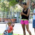 Alessandra Ambrosio et son fiancé Jamie Mazur avec leurs enfants Anja et Noah à Brentwood Los Angeles, le 31 mai 2014.