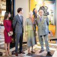 Le prince Henrik de Danemark lors de l'inauguration d'une exposition que lui consacre le musée national de l'histoire à l'occasion des ses 80 ans, au palais de Fredensborg, le 28 mai 2014, en présence de la reine Margrethe II, du prince Joachim et de la princesse Marie.