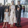 La princesse Mary de Danemark et son mari le prince Frederik de Danemark avec leurs enfants le prince Christian et la princesse Isabella le 1er juin 2014 au siège de Radio Danemark à Copenhague pour le gala en l'honneur des 80 ans du prince consort Henrik.