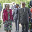 Le prince consort Henrik de Danemark avec son épouse la reine Margrethe II à l'Orangeraie du château de Fredensborg le 2 juin 2014 pour une réception à l'occasion de son 80e anniversaire.