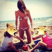 Alexandra Rosenfeld : Une maman poule au corps de déesse en bikini avec Ava !