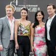 """Tony Curran, Jaime Murray, Julie Benz et Grant Bowler posent lors du photocall de la série """"Defiance"""" pendant le 54e Festival de Télévision de Monte-Carlo, le 9 juin 2014."""