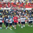 L'équipe de France lors de son premier entraînement brésilien devant 10 000 spectateurs sur le stade du Botafogo FC à Ribeirao Preto au Brésil le 10 juin 2014