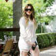 Khloé Kardashian, en pleine séance shopping dans les Hamptons. Le 11 juin 2014.