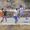 Novak Djokovic enterre sa vie de garçon entouré de ses amis, le 11 juin 2014 à Ibiza