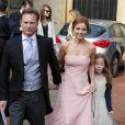 Geri Halliwell en compagnie de sa fille Bluebell et de son nouvel amoureux Christian Horner lors du mariage de Poppy Delevingne à Londres, le 17 mai 2014.