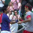 Roger Federer gagne sa demi-finale contre le Japonais Nishikori à Halle (Allemagne) mais ne s'en rend pas compte, le 14 juin 2014.