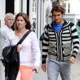 Roger Federer et son épouse Mirka en pleine session shopping sur Bond Street à Londres le 19 juin 2012