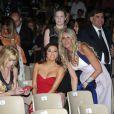 Eva Longoria, Melanie Griffith et Tiziana Rocca lors du Taormina Film Festival en Italie le 17 juin 2014. Elle a reçu un prix pour saluer son oeuvre humanitaire et porte une robe Pamela Rolland